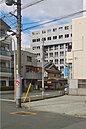 角地に面した南西区画と、その北側にある区画の2区画です。中津駅へは徒歩8分。天王寺・なんば・梅田といった主要駅へ一本で行ける御堂筋線は通勤や通学はもちろん、ご旅行の時にも便利です。