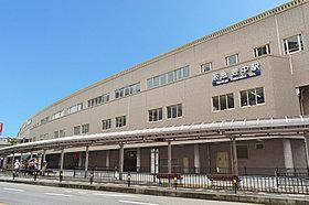 阪急宝塚線「豊中」駅周辺には買い物施設が充実。