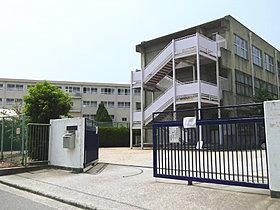 市立上野芝中学校 徒歩9分(約720m)
