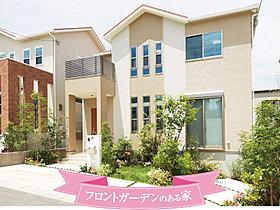 フロントガーデンのある家(10号地/平成27年7月撮影)