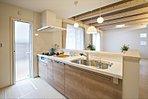 人気の対面キッチン(施工例写真)