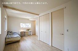 主寝室・洋室(2ドア1ルーム):施工例写真