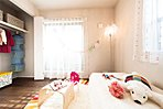 キッズルーム ※写真は2015年12月にモデルホーム(4号棟)および1号棟、7号棟をそれぞれ撮影したもので家具・調度品は販売価額に含まれておりません。設備等は住戸により異なる場合がございます。