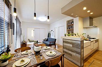 【モデルハウス完成&公開開始】現地にて家具入りモデルハウスが完成しました。平日でも内覧できます。お問い合わせは、【0120-923-220】まで。