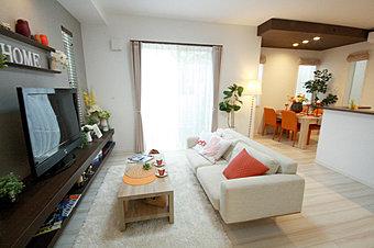 【モデルハウス完成&公開中】現地にて家具入りモデルハウスを公開中です。平日でも内覧できます。お問い合わせは、【フリーコール】0120-350-255まで。