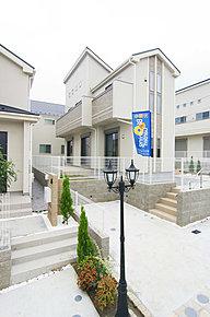 【現地写真】小田急多摩線「黒川駅」徒歩12分、「栗平駅」徒歩15分の立地にIII期12邸誕生です!