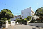 周辺環境:横須賀市立公郷中学校 徒歩5分(約350m)(撮影日/平成28年08月)