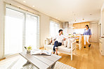 A14号地モデルハウス「木のぬくもりに癒される家」。スタイリッシュな外観でありながら、無垢材キッチンを採用するなど 温もりある癒しの内部空間。