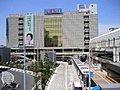 駅まで徒歩3分、総武線・京成線が利用可能な42坪の南向きの整形地。