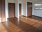 2ドア1ルームの洋室はライフスタイルの変化に合わせて間仕切りが可能です (No.5)