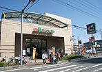 マルエツ大宮砂町店―日々の暮らしを支える日用品から生鮮食品まで便利に揃う地域密着型のスーパーです。