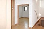 頼もしい容量で室内をスッキリ整えるウォークインクローゼットには、シーズンオフ類・小物等収納可能です。(当社施工例)