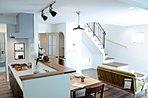 落ち着いた空間や、素材感あふれるナチュラルな空間。お客様の好みに合わせてご提案致します。