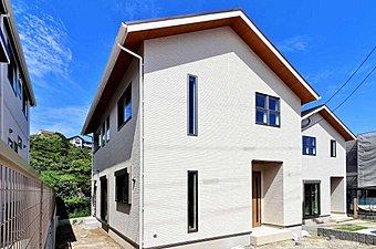 福岡市西区に40区画の分譲が始まります。子育て世代には手ごろな広さと利便があり、都心にも程よい距離感が魅力です