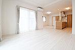 広いリビングと、すべてのお部屋に収納を完備した家族みんなに嬉しい間取りを提案します。