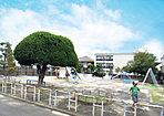 可愛いキノコ型の木が可愛い、遊具もたくさんあって子供達の憩いの場が分譲地内に!