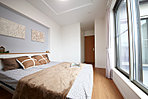 【M号地プラン】ワイドバルコニーに面した主寝室は明るく、ウォークインクローゼット付きで収納バッチリ♪