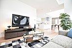 2号棟キッチン(2016年8月撮影)スタイリッシュなだけでなく、収納スペースもたっぷりと確保されております。