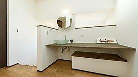 2階にも使い勝手の良い洗面台