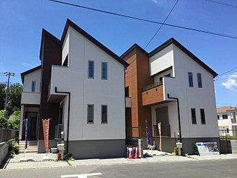 外観写真 白を基調とした中にワンポイントのアクセント。注文住宅でも要望の多い、飽きの来ないシンプルなデザインです。
