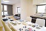 当社施工内観イメージ:キッチンや浴室・トイレ・洗面等、当社指定メーカーの中からお選びいただけますので、お客様好みのお部屋をご提供できます。