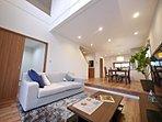 家具も配置しておりますので、室内の空間もイメージしやすくなっております。