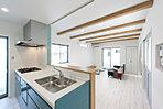 木の梁をみせてお洒落な空間に・・・。※一般の天井ももちろん可能です。