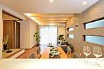 大きな洗面台とランドリー収納を備えた洗面室は快適空間となっております(施工例)
