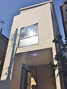 当社、永大グループ施工!! さいたま市桜区桜田 新築分譲住宅!!南道路につき陽当たり良好!!明るい居住空間になります!!車庫付きです。