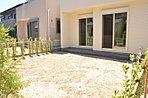 40m2(12坪)奥行約6m以上の広々としたお庭はBBQにも余裕の広さ、お子様のビニールプールにも最適です。