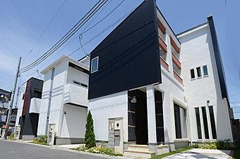 建物のかたちをL型にすることで、プライバシーが確保され、各部屋に採光が確保されます。