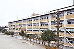 豊郷南小学校 徒歩5分(約400m)