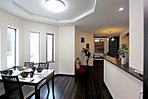 「設計士と創り出す魅力の住まい」美しさと機能性をかね備えた設計士と創り出すデザイン住宅。多彩なバリエーションから個性を表現できる(当社施工例)