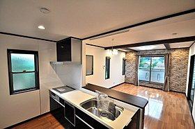 2F キッチン。オープンキッチンのため、開放感があります。