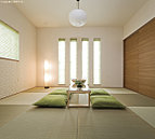 和の空間に配慮した住まいで、客間としてもくつろぎの空間としても使えます。(同仕様)