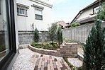 現地モデルハウス。裏庭が有ります。バーベキューや家庭菜園スペースとして使えます♪