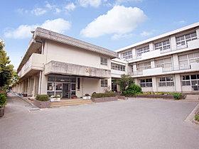 都賀小学校まで徒歩4分(260m)