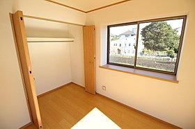 全居室に収納を完備しております!お部屋がすっきり片付きます。