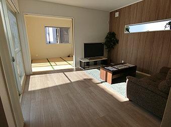 8号棟即日ご入居頂けます。緑豊かな周辺環境に調和する、ゆったりとした佇まいの家です。