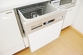 大容量の食洗機。ビルトインタイプでスッキリ。(image)