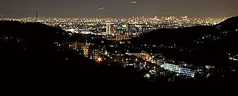 ナシオン東山台からの美しい夜景をお楽しみいただけるロケーション。