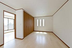 大きな収納スペースがある2階ホール(3号棟)
