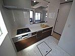 (5号棟 キッチン) 人気のカウンターキッチン 食器洗浄機付で家事の時間短縮!