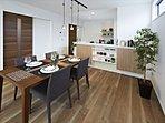 モデルハウスは家の随所に収納スペースがあり、家事が楽になる♪「カジラク」動線の家です!