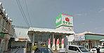 サンポートかしままで1500m(徒歩19分・車10分)スーパー「タイヨー」を中心に、モスバーガーや100円ショップなどがそろうショッピングモール。スーパーは9:00~21:00までの営業。