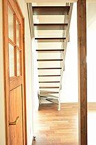 アイアンの階段は、おうちのアクセントに。~ゆうぐれの家~