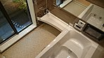 浴室に続く坪庭。庭を眺めながら入浴を楽しんでください。