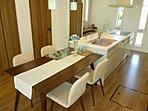 家族みんなで楽しく調理したり、おしゃべりしたり、家事が楽しくなるアイランドキッチンです。