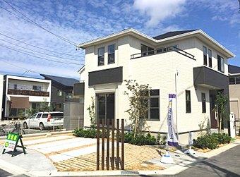 No.4 爽快なバルコニーやワイドなホールなど、空間のゆとりを大切にした家。