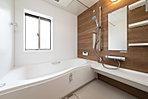【10号棟浴室】浴室にも木の温もりを。